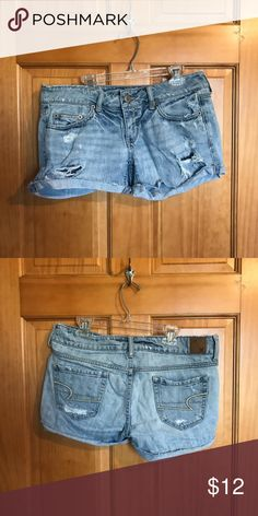 Shop Women's American Eagle Outfitters size 4 Jean Shorts at a discounted price at Poshmark. American Eagle Shorts, American Eagle Outfitters Shorts, Distressed Shorts, Fashion Design, Fashion Tips, Fashion Trends, Jean Shorts, Outfits, Collection