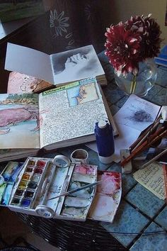 Start drawing with a Faber-Castell PITT artist pen (usually no pencil, just jumping in feet first with the ink), then apply color with Winsor & Newton watercolor traveling kit, and finally punch up colors and add details with Prisma Color Pencils. Moleskine, Winsor And Newton Watercolor, Pitt Artist Pens, Arte Sketchbook, Art Journal Inspiration, Journal Ideas, Creative Journal, Smash Book, Medium Art