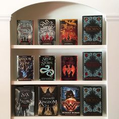 Happy #shelfiesunday everyone! I thought Id share my Leigh Bardugo collection because no one does villains or villainous heroes quite like her. She is the queen of anti-heroes...which are my favorite.  Who are some of your favorite anti-heroes?  Day 14: #storymakers18 {villains}  #leighbardugo #grishaverse #grishatrilogy #grisha #sixofcrows #languageofthorns #wonderwoman #henryholt #crookedkingdom #bookishfeatures #bookstagrammer #booklove #booknerdigan #bookworld #booksofig #ilovereading…