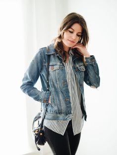 Veste en jeans + chemise rayée + skinny noir