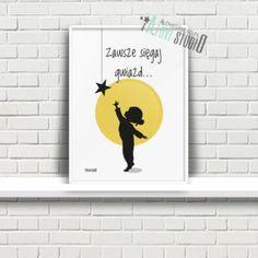 Plakaty dla dzieci do pokoju dziewczynki sięgaj gwiazd a Kids And Parenting, Girls Bedroom, Printable Wall Art, Sentences, Baby Room, Diy And Crafts, Kids Room, Classroom, Children