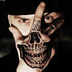 Se inspire em diversas tatuagens para as mãos.