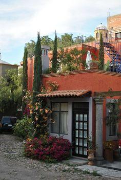 Mexican decor: a house in San Miguel de Allende, Guanajuato