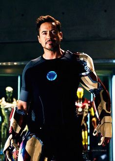Robert Downey Jr as iron man Iron Man 3, Iron Man Suit, Iron Man Avengers, Marvel Avengers, Robert Downey Jr., Marvel Actors, Marvel Movies, Avengers Characters, Iron Man Wallpaper