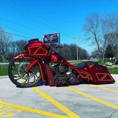 davidson road glide custom #harleydavidsonroadglidecvo #harleydavidsonroadglideblack #harleydavidsonroadglide2018 #harleydavidsonroadglidebaggers #harleydavidsonroadglidespecial #harleydavidsonroadglidecustom Harley Bagger, Harley Bikes, Custom Sportster, Custom Baggers, Motorcycle Paint Jobs, Motorcycle Style, Harley Davidson Road Glide, Harley Davidson Sportster, Road Glide Custom