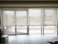 Sunscreen roller blinds - floor to ceiling windows - sliding doors Patio Door Blinds, Sliding Door Blinds, Sliding Glass Door, Home Curtains, Curtains Living, Curtains With Blinds, Balcony Curtains, Floor To Ceiling Windows, Blinds For Windows