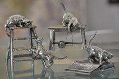 Figurines de chats en étain brillant aspect argent. Cadeau idéal pour collectionneurs de chats. Collection Thierry Boulay par Etains du Campanile - EtainPassion.com