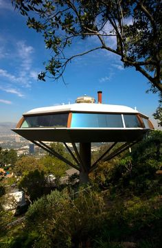 Chemosphere, John Lautner design, leonard Malin original owner, engineer. Mulholland Drive, los Angeles