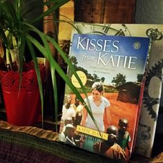 Day three of 10 DAYS OF SOCIAL GOOD BOOKS giveaway! Kisses for Katie is a story of an ordinary girl who went to Africa, discovered there are so many children without families, and began adopting kids. Imagine being a mom of  3, 5, 10+ kids before you're in your mid-twenties? That is Katie Davis. A world changer not because she was willing to love others, but because she was willing to really love others radically. Talk about challenging! (Win the book by clicking on the link in profile)…