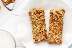 Rich Coconutty Leftover Cereal Bars are an excellent way to use all the leftover cereal and coconut you have floating around. It's delicious! Good Food, Yummy Food, Yummy Recipes, Muesli Recipe, Muesli Bars, Cereal Bars, Golden Syrup, Cereal Recipes, Food Photo