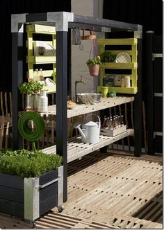 DIY for fummelfingre ::: Labre uderum - MeltdesignstudioMeltdesignstudio Outdoor Life, Outdoor Living, Outdoor Decor, Outdoor Cooking Area, Outdoor Sinks, Kitchen Installation, Backyard Lighting, Summer Kitchen, Roof Design