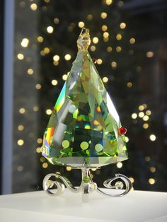 Swarovski Christmas tree I bought for my momma a few Christmas' ago. Didn't continue with the Christmas theme I wanted to go with but thinking I need to pick it up again in Green Christmas, All Things Christmas, Christmas Time, Xmas, Swarovski Crystal Figurines, Swarovski Crystals, Christmas Tree Ornaments, Christmas Decorations, Holiday Decor