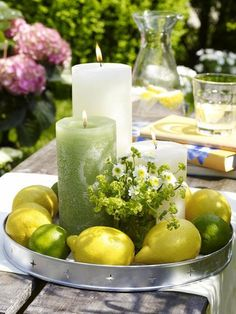 DIY: decoration ideas with fresh lemon- DIY: Deko-Ideen mit frischer Zitrone decorating-ideas-garden-table-tablet-lemon-wreath-candles - Lemon Wreath, Deco Floral, Garden Table, Party Garden, Garden Wedding, Deco Table, Decoration Table, Summer Table Decorations, Garden Decorations