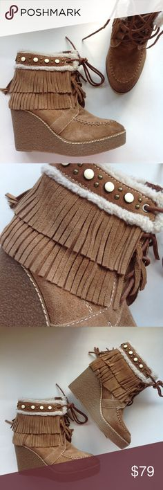 """NEW SAM EDELMAN brown fringe suede ankle boots 7 Pretty, pretty with American Indian moccasin  styling, warm and cozy fleece lining, studded detail, and dual layer fringe accents. Wedge platform boots are really styling heel measures about 3 1/2""""high and platform is 1"""" creating 2 1/2"""" heel feel. New with tags, no orig. box. •Suede upper. •Lace-up construction. •Round toe. •Fringe detailing. •Faux-fur lining. •Lightly padded footbed. •Rubber sole. Sam Edelman Shoes Ankle Boots & Booties"""