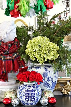CHRISTMAS 2014 HOME TOUR {BLOGGER STYLIN' HOME TOURS}
