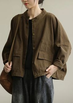 Clothes Rail, Diy Clothes, Work Casual, Casual Tops, Made Clothing, Woman Standing, Fashion Moda, Down Coat, Pants Pattern