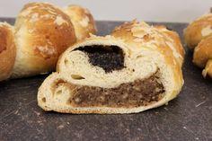 Max und Moritz – HOMEBAKING BLOG Best Bread Recipe, Bread Recipes, Bagel, Doughnut, Desserts, Blog, Sliced Almonds, Coconut Flakes, Sheet Pan
