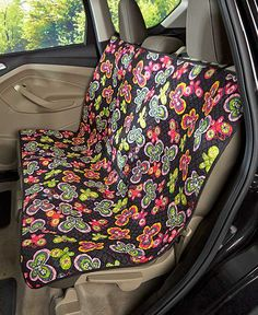 The Quilted Car Seat Cover minimizes the amount of dirt and pet hair where you and your passengers sit. This easy-to-install, adjustable cover features 2 fabric-magic closures that keep it in place. T