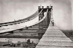 The Construction Of The Manhattan Bridge
