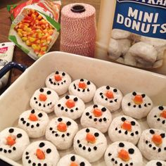 All you need is a bag of mini donuts, a bag of candy corn {cut the white tips off for the orange nose} and a tube of black gel frosting. Christmas Snacks, Christmas Brunch, Christmas Breakfast, Christmas Goodies, Christmas Candy, Christmas Baking, Holiday Treats, Holiday Fun, Holiday Recipes