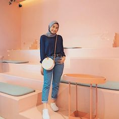 Modern Hijab Fashion, Street Hijab Fashion, Hijab Fashion Inspiration, Muslim Fashion, Korean Fashion, Fashion Ideas, Fashion Trends, Fashion Outfits, Hijab Jeans