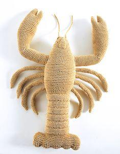 Poisson Dior John Galliano Cappellini Anne-Claire Petit – Un Signe, Un Style Crochet Fish, Crochet Animals, Diy Crochet, Crochet Crafts, Crochet Toys, Nautical Crochet, John Galliano, Knitting Patterns, Crochet Patterns