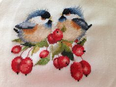 Heritage Valerie Pfeiffer Counted Cross Stitch Chart Berry Chick Chat for sale online Cross Stitch Bird, Simple Cross Stitch, Cross Stitch Animals, Counted Cross Stitch Patterns, Cross Stitch Designs, Cross Stitch Embroidery, Modern Cross Stitch, Serviettes Roses, Heritage Crafts