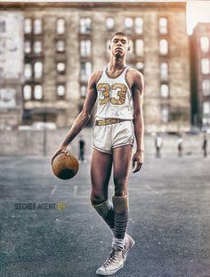 Kareem Abdul-Jabbar (then Lew Alcindor) of Power Memorial High NYC Basketball Memes, Basketball History, Basketball Legends, Sports Basketball, College Basketball, Sports Logo, Basketball Players, Sports Images, Sports Photos