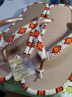 Tambour Beading, Loom Beading, Beading Patterns, Paper Beads Tutorial, Make Paper Beads, Beaded Bracelets Tutorial, Fusion Beads, Easy Beading Tutorials, Seed Bead Crafts