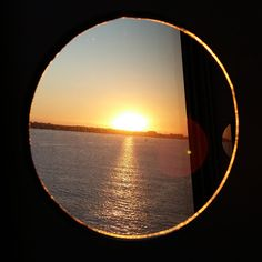 4 Freizeiten Sonnenuntergang Bullauge Aida Aidasol kurz vor der Nordsee