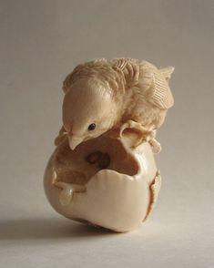 Птенец на груше | Резьба по дереву, кости и камню