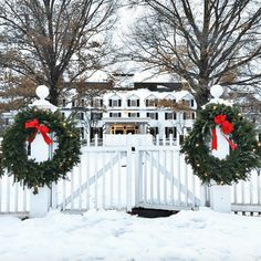 The Most Magical Christmas Decor Ever - laurel home - via @Theyellownote on instagram - the magnificent Woodstock Inn in Vermont all decked out for the Christmas holidays