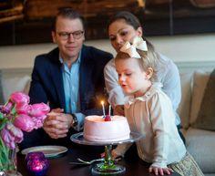 """Madalena da Suécia dá os parabéns à sobrinha: """"Feliz segundo aniversário querida Estelle"""""""