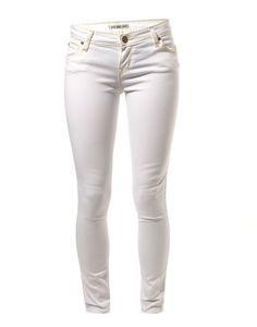 LEE | Scarlett Skinny Jeans in White - Women - Style36  #RihannaStyle36 Cool Style, My Style, Skirt Pants, White Women, Playing Dress Up, Rihanna, Monochrome, Skinny Jeans, Summer Fun