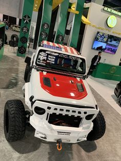 Custom Jeep Wrangler Accessories and Shade Tops Jeep Wrangler Soft Top, Wrangler Jl, Jeep Tops, Jeep Jku, Boot Storage, Jeep Wrangler Accessories, Custom Jeep, Tonneau Cover, Sun Shade