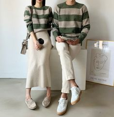 Matching Couple Outfits, Twin Outfits, Matching Couples, Korean Fashion Trends, Korean Street Fashion, Asian Model Girl, Korean Couple, Fashion Couple, Hippie Outfits