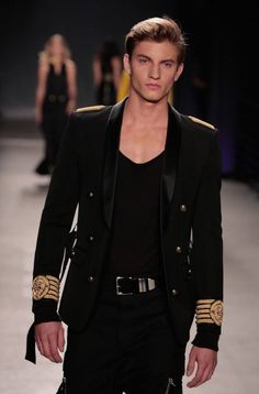 Astounding 50+ Best Balmain Menswear Spring Summer https://fashiotopia.com/2017/04/26/50-best-balmain-menswear-spring-summer/ Clearly, Balmain isn't likely to do it. But this was not just Balmain in khaki. Rousteing, nevertheless, isn't entirely delighted. Yet mostly, Roustei...