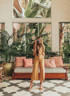 The Royal Hawaiin – Capsule travel wardrobe for a summer beach vacation. The Royal Hawaiin – Capsule travel wardrobe Vacation Style, Vacation Outfits, Travel Style, Summer Outfits, Vacation Fashion, Travel Fashion, Capsule Wardrobe, Travel Wardrobe, Beach Trip