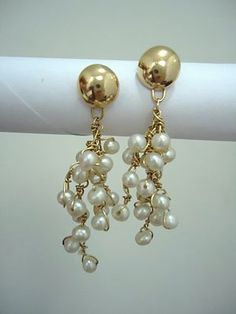 Fashion and Style of Glorious Pearl Earrings Every Woman, Pearl Jewelry, How To Look Pretty, Women's Earrings, Blink Blink, Gems, Jewels, How To Wear, Wisdom
