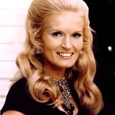 """Country music star Lynn Anderson left us this week, much too soon. She died at the age of 67. """"(I Never Promised You A) Rose Garden"""" became a gigantic crossover hit in the early 1970s. In her caree…"""