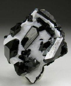 Neptunite / Mineral Friends <3