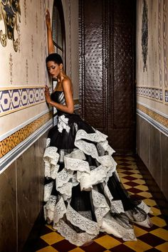 The FashionBrides is the largest online directory dedicated to bridal designers and wedding gowns. Find the gown you always dreamed for a fairy tale wedding. Rock Vintage, Short Sundress, Strapless Dress Formal, Formal Dresses, White Chic, Tuxedo Dress, Bridezilla, Golden Girls, Stunning Dresses