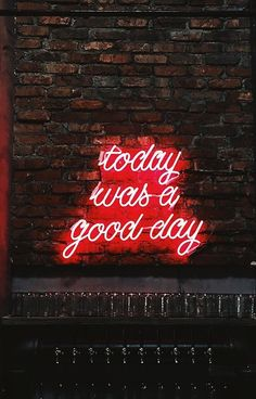 Inspirational Neon Sign - Wallpaper for iPhone Wallpaper World, Neon Wallpaper, Aesthetic Iphone Wallpaper, Aesthetic Wallpapers, Photo Wall Collage, Picture Wall, Berlin Tattoo, Neon Quotes, Motivational Wallpaper