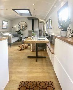 51 Ideas For River Boats House Houseboats House Boat, Boat House Interior, Floating House, Tiny House Living, Interior, Barge Interior, Houseboat Living, House, House Interior