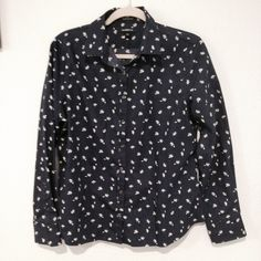 floral flower spring top long sleeve Great button up blouse with black nice for the para jeans or shorts Anthropologie Tops Button Down Shirts