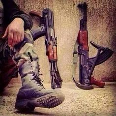 Hassanツ.. Pakistan Defence, Pakistan Armed Forces, Pakistan Zindabad, Stylish Boys, Stylish Girl Pic, Pakistan Wallpaper, Indian Army Special Forces, Indian Army Quotes, Pak Army Soldiers
