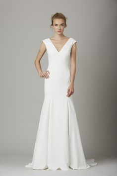 Lela Rose Bridal focused on embroidery for its fall 2016 collection of elegant wedding dresses. From floral decorations hand cut and applied with pearls and… Lela Rose Wedding Dresses, Long Wedding Dresses, Wedding Dress Styles, Bridal Dresses, Wedding Gowns, Minimalist Wedding Dresses, Casual Wedding, Rose Gown, Bridal Fashion Week