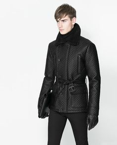 Image 4 of DOUBLE BREASTED QUILTED THREE QUARTER LENGTH COAT from Zara