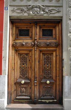 Valencia, arena y cal: Puertas ( I )