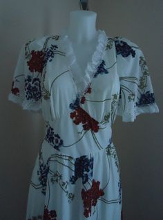 Vintage 1970s White Floral Nightgown on Etsy, $67.91 CAD